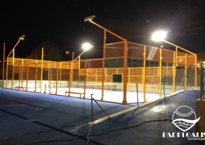 Mounting paddle courts in Madrid