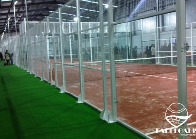 Mounting paddle courts in Zamora